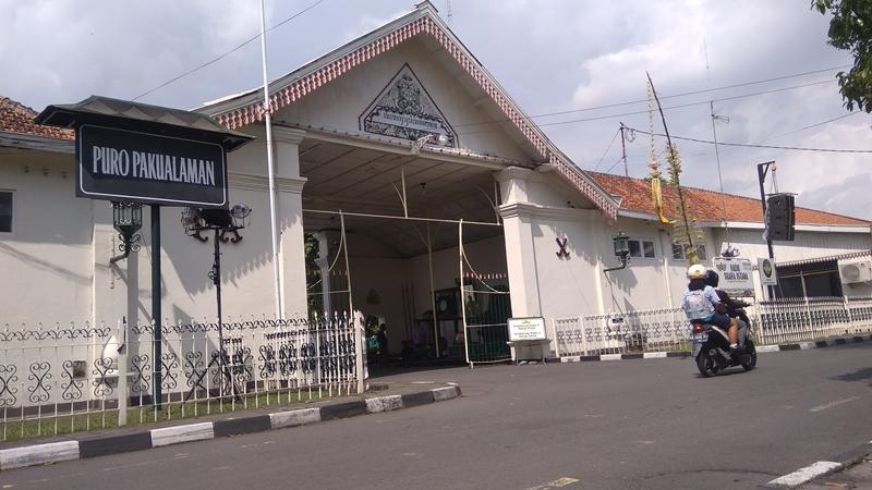 Suasana pintu gerbang Pura Pakualaman jelang Dhaup Ageng. Medcom.id/Ahmad Mustaqim