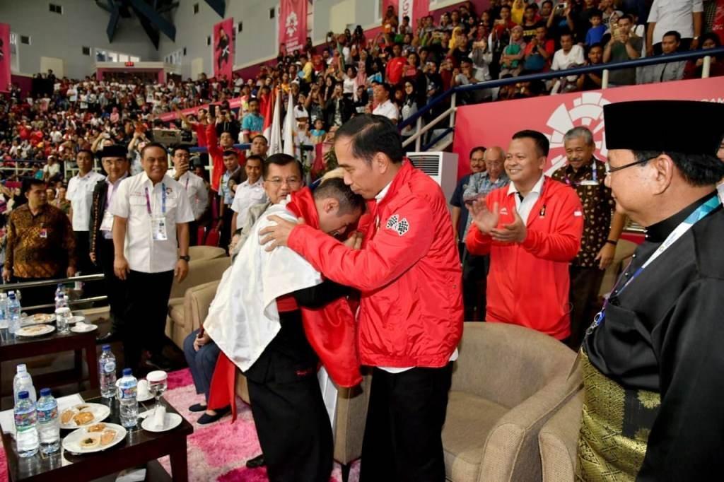Presiden Joko Widodo turut bersuka cita saat Hanifan Yudani menyumbang emas di ajang Asian Games 2018. ( FOTO/SETPRES)