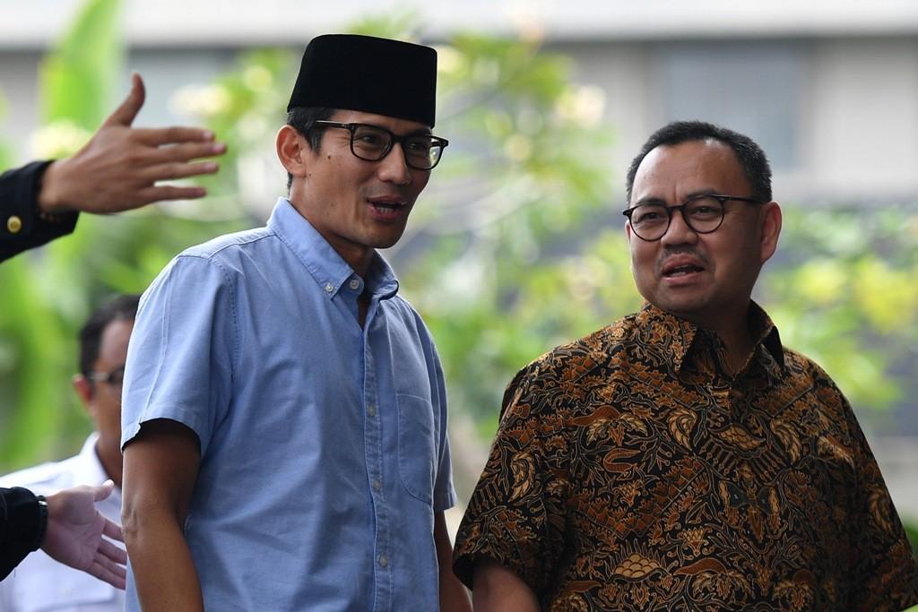 Calon wakil presiden nomor urut 02 Sandiaga Uno dan Direktur Materi dan Debat BPN Prabowo-Sandi Sudirman. ANT/Sigid Kurniawan.