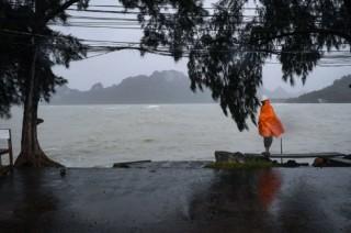 Badai Pabuk Tewaskan Tiga Orang di Thailand