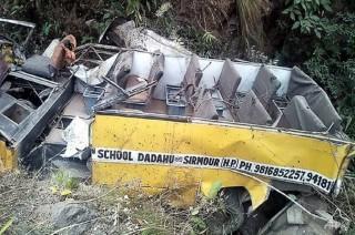 Bus Jatuh ke Jurang di India, Enam Bocah tewas