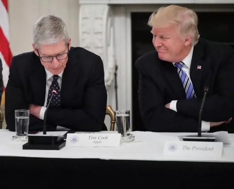 Tanggapan  Donald Trump Soal Jatuhnya Saham Apple
