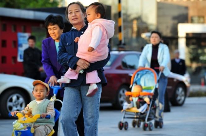 Tiongkok mengakhiri kebijakan satu keluarga satu anak pada 2015. (Foto: AFP/Frederic J. Brown)