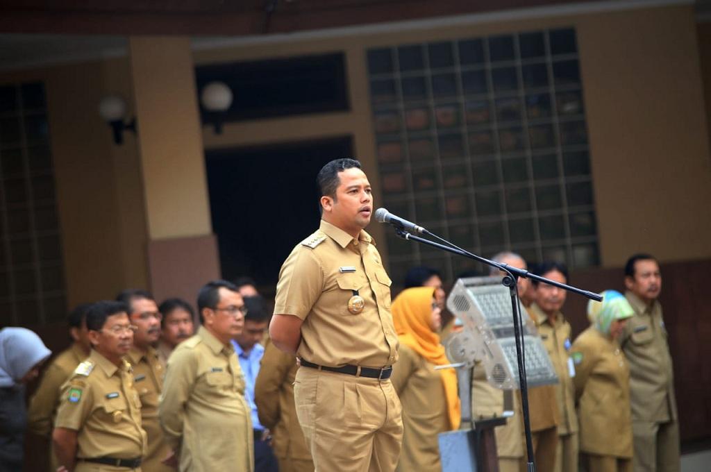 Wali Kota Tangerang Arief R Wismansyah saat memimpin apel di Pusat Pemerintahan Kota Tangerang, Medcom.id - Hendrik S