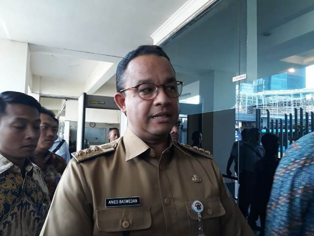 Gubernur DKI Jakarta Anies Baswedan mendatangi Gedung Badan Pengawas Pemilihan Umum (Bawaslu)--Medcom.id/Faisal Abdalla.