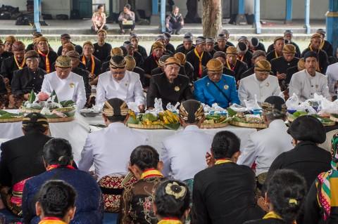 Tradisi Wilujengan Nagari Mahesa Lawung Keraton Solo