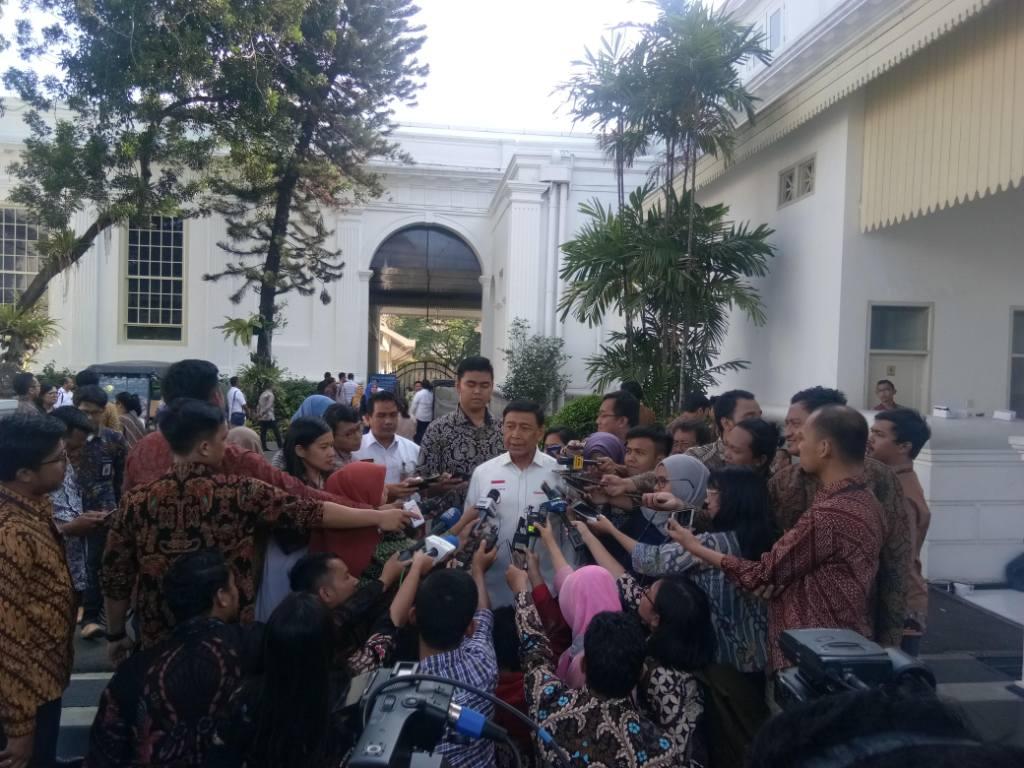 Menko Polhukam Wiranto di Kompleks Istana. Foto: Medcom.id/Achmad Zulfikar Fazli.