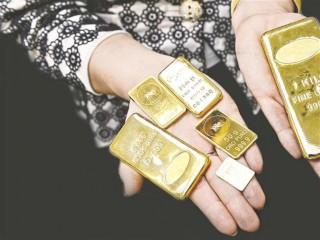 Kemilau Emas Dunia Salip Dolar AS