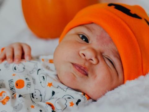Mengenal Jerawat pada Bayi dan Cara Mengatasinya