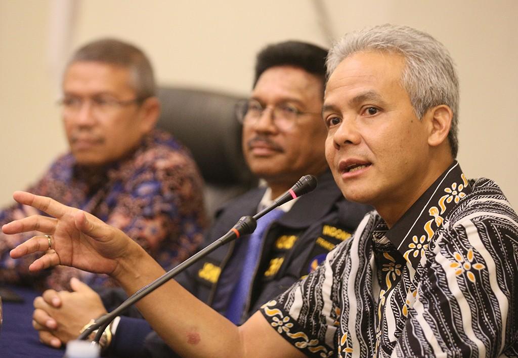 Gubernur Jawa Tengah, Ganjar Pranowo, (kanan), MI/Ramdani.