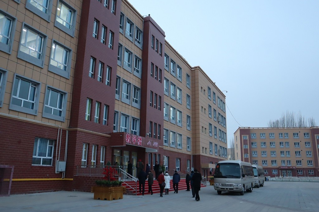 Sejumlah wartawan asing tiba di kamp pendidikan vokasi Uighur di Hotan, daerah otonomi Xinjiang, Sabtu 5 Januari 2019. (Foto: Antara/M. IRFAN ILMIE)