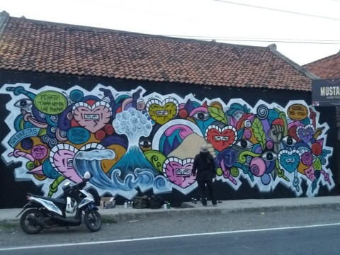 Tsunami Selat Sunda dan Mural Brebes