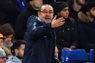 Dikalahkan Tottenham, Sarri Keluhkan Kinerja Wasit