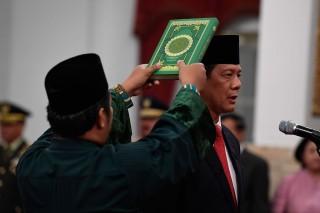 Jokowi Lantik Doni Monardo Sebagai Kepala BNPB