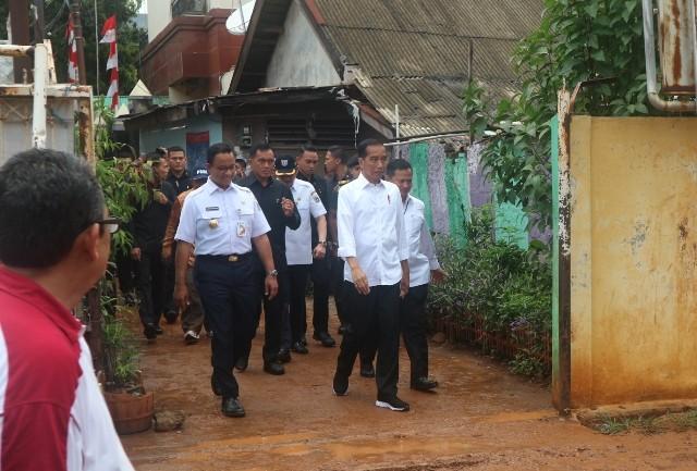 Presiden Joko Widodo dan Gubernur DKI Jakarta Anies Baswedan--Medcom.id/Dheri Agriesta.