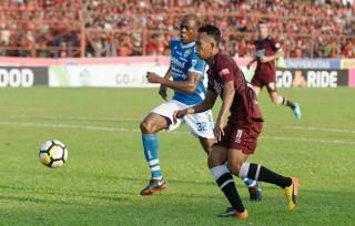 Victor Igbonefo Tinggalkan Persib Bandung