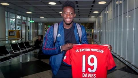 Alphonso Davies akan mengenakan nomor punggung 19 di Bayern
