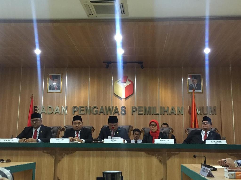 Sidang Bawaslu terkait gugatan oesman Sapta Odang - Medcom.id/Faisal Abdalla.