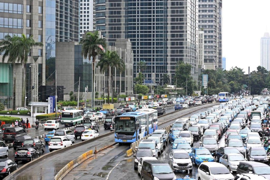 Lalu lintas di Jakarta. Foto: MI/Galih Pradipta