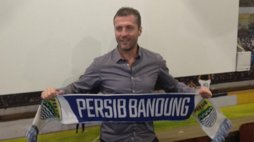 Miljan Radovic dikontrak semusim oleh Persib Bandung (Medcom.id/Roni Kurniawan)
