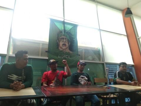 Konferensi pers acara sholawat dan doa bersama Bonek Mania