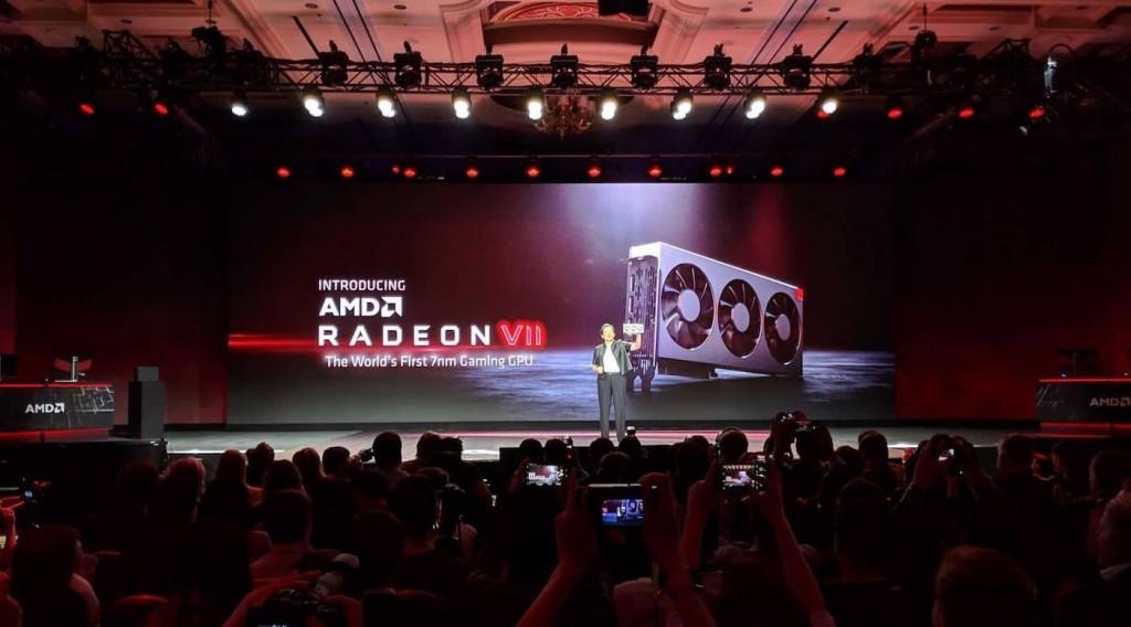 CEO AMD, Dr.Lisa Su mengumumkan AMD Radeon VII di CES 2019.