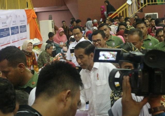 Presiden Joko Widodo di acara peluncuran bantuan sosial Program Keluarga Harapan di GOR Ciracas, Jakarta Timur, Kamis, 10 Januari 2019. Medcom.id/Dheri Agriesta