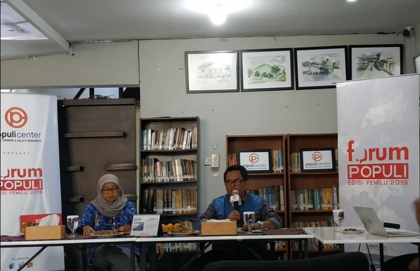 Direktur Populi Center Usep Saiful (kanan). Medcom.id/Ilham Pratama