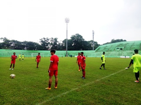 Latihan perdana Arema FC di Stadion Gajayana,