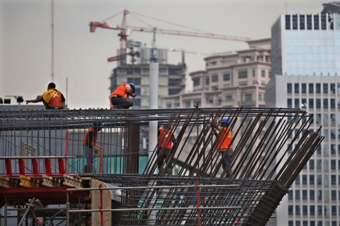 Karet Dikaji sebagai Bahan Baku Infrastruktur