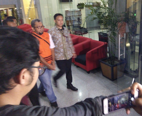 Politikus Partai Bulan Bintang Ferry Suando Tanuray Kaban selesai diperiksa penyidik Komisi Pemberantasan Korupsi (KPK).  Foto: Medcom.id/Fachri