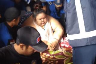 Titi Wati, Perempuan Berbobot 300 Kg Dibawa ke RS