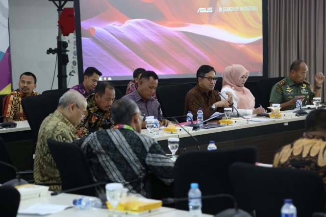 Rapat koordinasi penanganan bencana tsunami Selat Sunda. (Foto: Dok. Kemenko PMK)