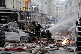 Ledakan Dahsyat Guncang Toko Roti di Paris