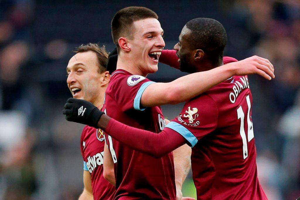 Declan Rice (tengah) merayakan gol yang dicetaknya ke gawang Arsenal (AFP/Ian Kington)