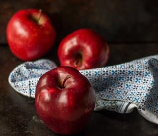 Alasan Mengapa Sebaiknya Apel Disimpan di Kulkas