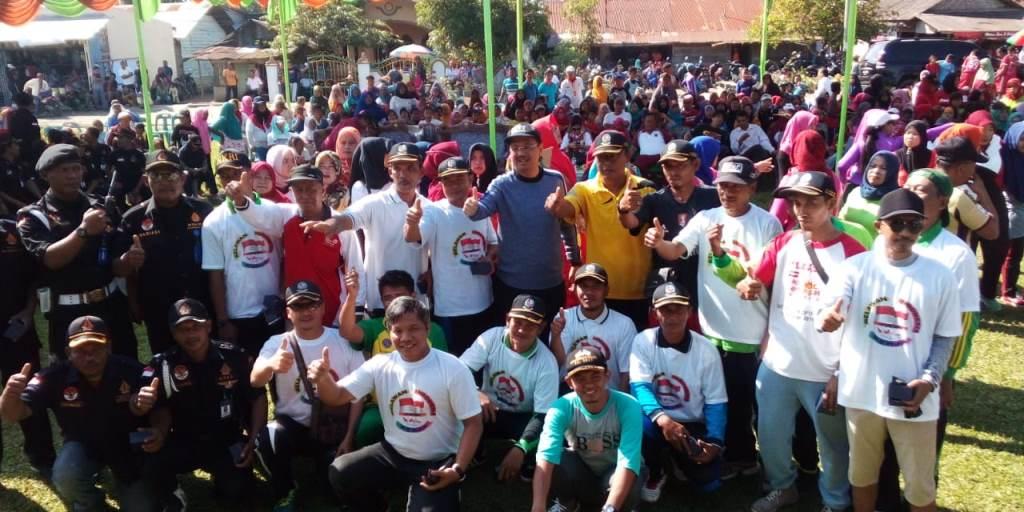 RIK menyosialisasikan keberhasilan pembangunan desa era Presiden Joko Widodo melalui jalan sehat. (Ist)