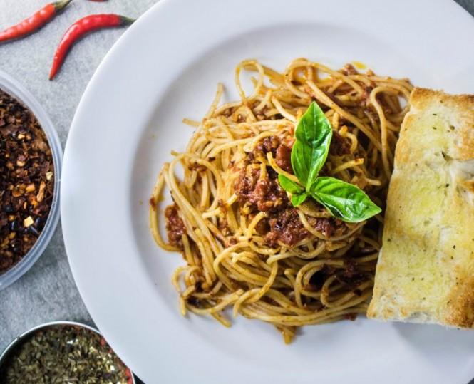 Trik ini merpakan cara yang paling sering digunakan oleh restoran-restoran di Italia. (Foto Ilustrasi: Eiliv Sonas/unsplash.com)
