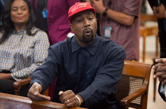 Penyanyi Kanye West (Foto: Saul Loeb/AFP)