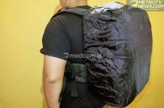Pakai Bag Cover, Ampuh Cegah Tas Biker Kotor dan Basah