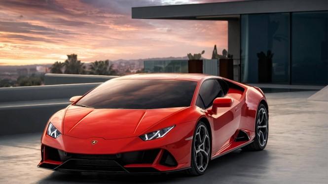 Lamborghini Huracan Evo menjadi makanan pembuka di 2019. Lamborghini