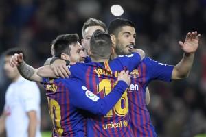 Barca Tekuk Eibar 3-0, Messi Cetak Gol ke-400