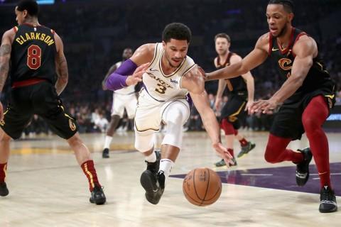 Cavaliers Curi Kemenangan di Kandang Lakers