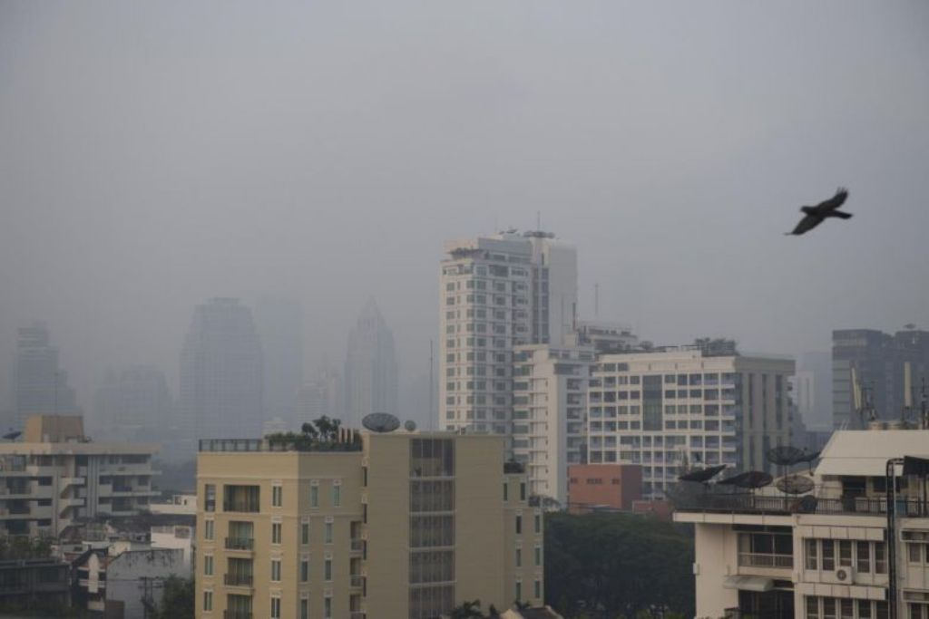 Polusi udara menyelimuti Bangkok. (Foto: AFP)