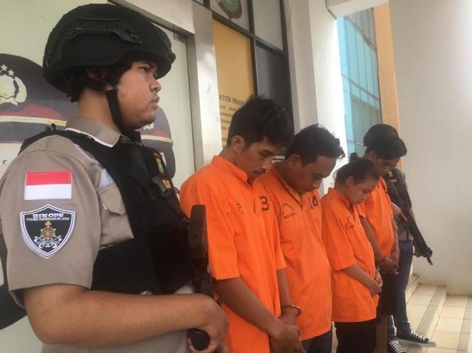 Polres Tangerang Selatan menangkap empat orang spesialis pencurian rumah kosong, Senin, 4 Januari 2019. Medcom.id/ Farhan Dwitama.