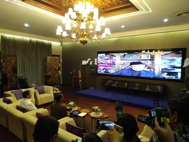 Presiden Jokowi saat melakukan panggilan video dengan BJ Habibie/Medcom.id/Dheri Agriesta