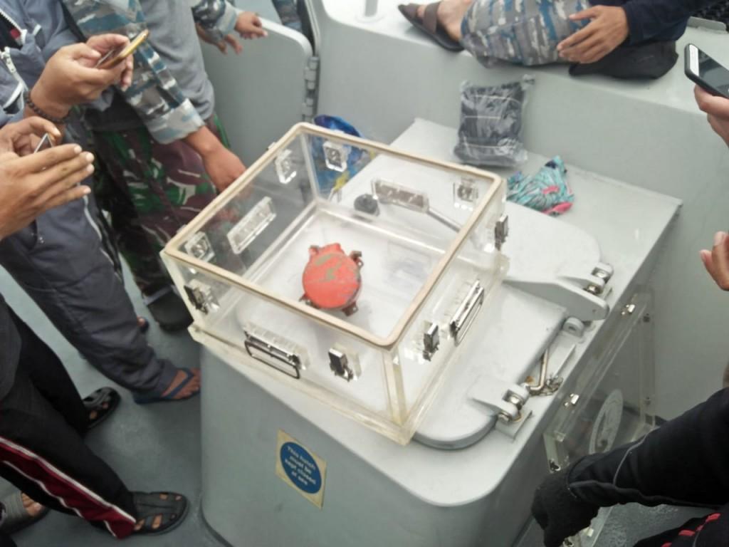 Alat perekam suara kokpit (CVR) pesawat Lion Air yang jatuh di perairan Karawang, Jawa Barat. Foto: Istimewa.