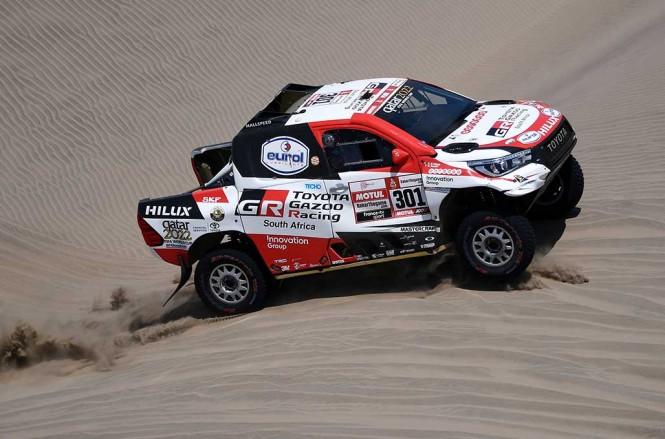 Toyota siap berikan kesempatan kepada Fernando Alonso untuk menjajal ajang Dakar Rally jika Ia memang siap. (Photo by Franck FIFE / AFP)
