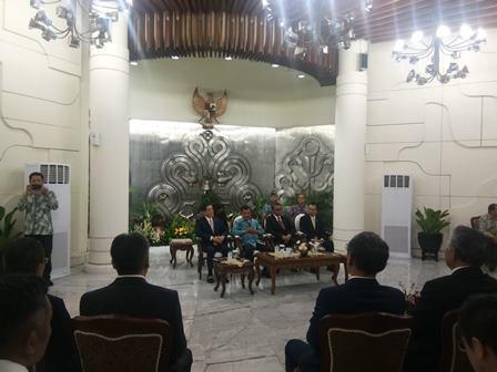 Gubernur Ehime Tokihiro (kiri), Wapres Jusuf Kala (kedua dari kiri). Medcom.id./ Achmad Zulfikar.