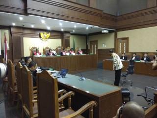 Idrus Yakin Hakim dan Jaksa Adil